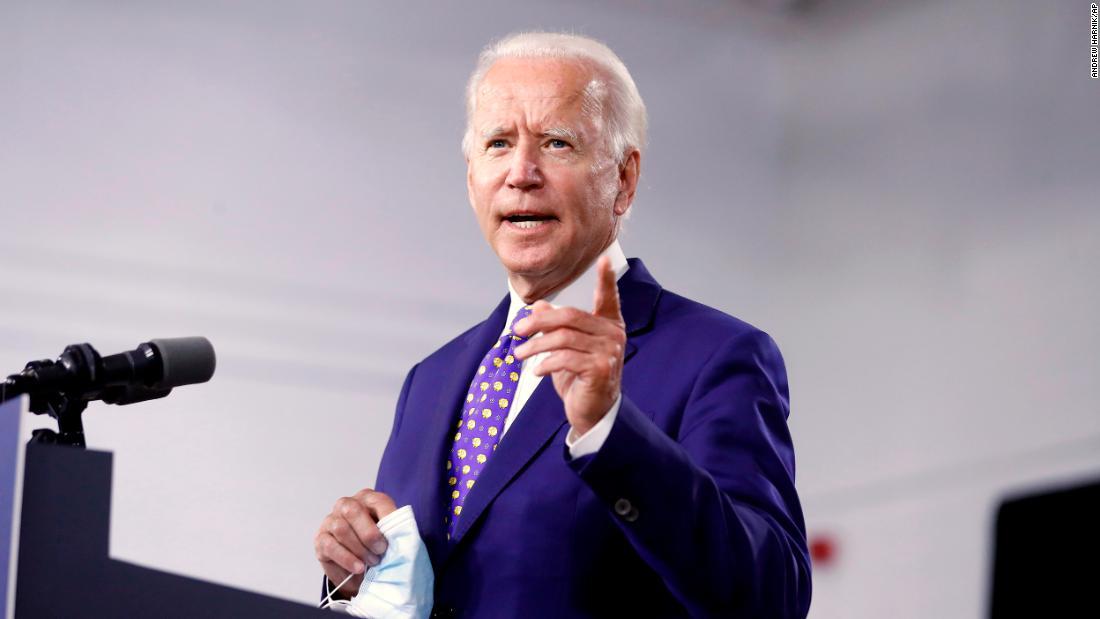 Biden llega a las convenciones en una posición históricamente fuerte