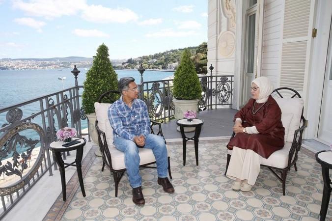 La superestrella de Bollywood Aamir Khan se encuentra con la primera dama turca Emine Erdogan