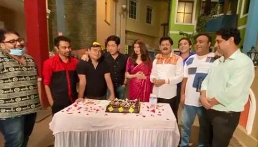 Bhabiji Ghar Par Hain team