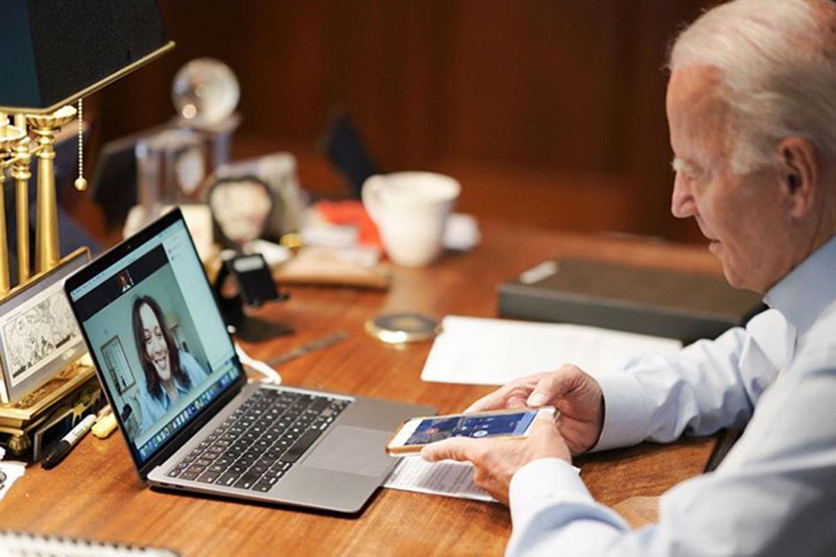 Biden se burló de usar un guión para elegir a Kamala Harris como su compañera de fórmula: informe