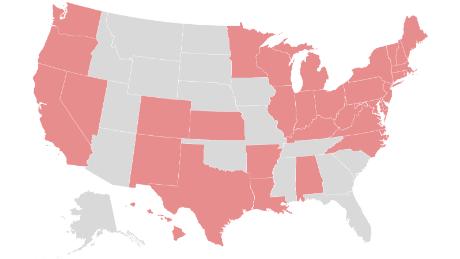 Estos son los estados que requieren que las personas usen máscaras cuando están en público
