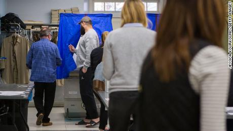Los planes de observación de las elecciones de la campaña de Trump provocan temores de supresión de votantes