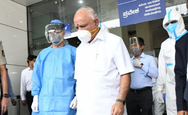 El ministro principal de Karnataka, BS Yediyurappa, de regreso a casa, semana después de probar el coronavirus + ve
