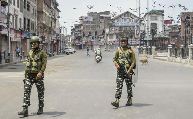 Toque de queda en Cachemira, un año después de la mudanza del territorio de la Unión, desechado el artículo 370
