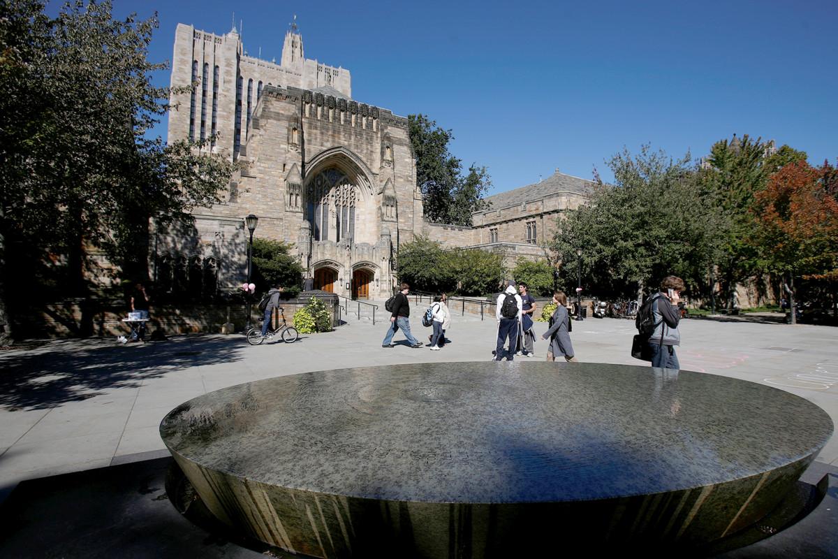 Yale no puede discriminar a judíos y asiáticos y esperar dinero de los contribuyentes