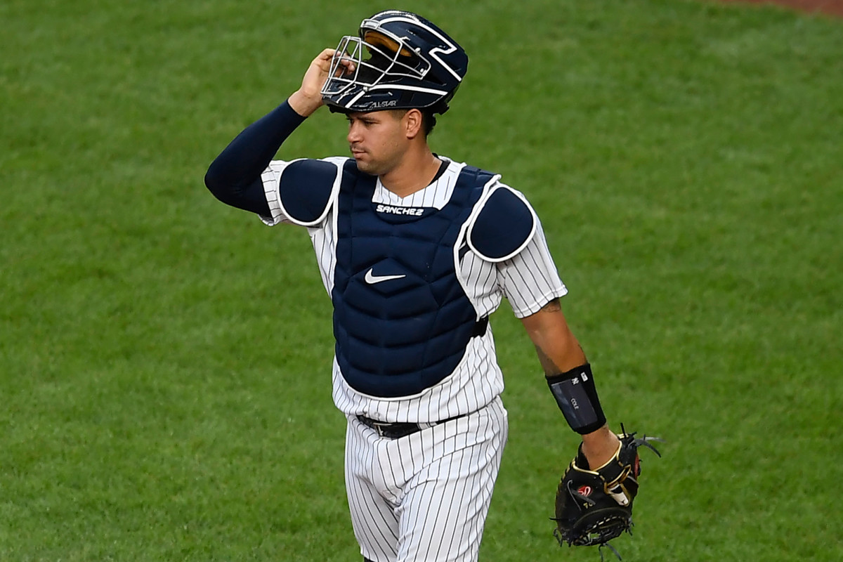 Yankees se apresuran a defender a Gary Sánchez por lanzamiento descontrolado